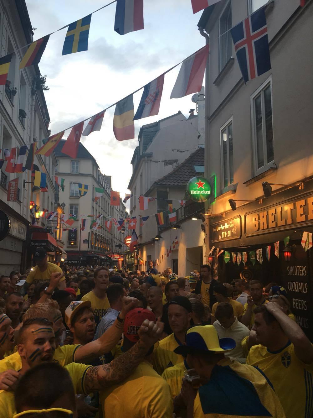 paris euro16 swedish fans