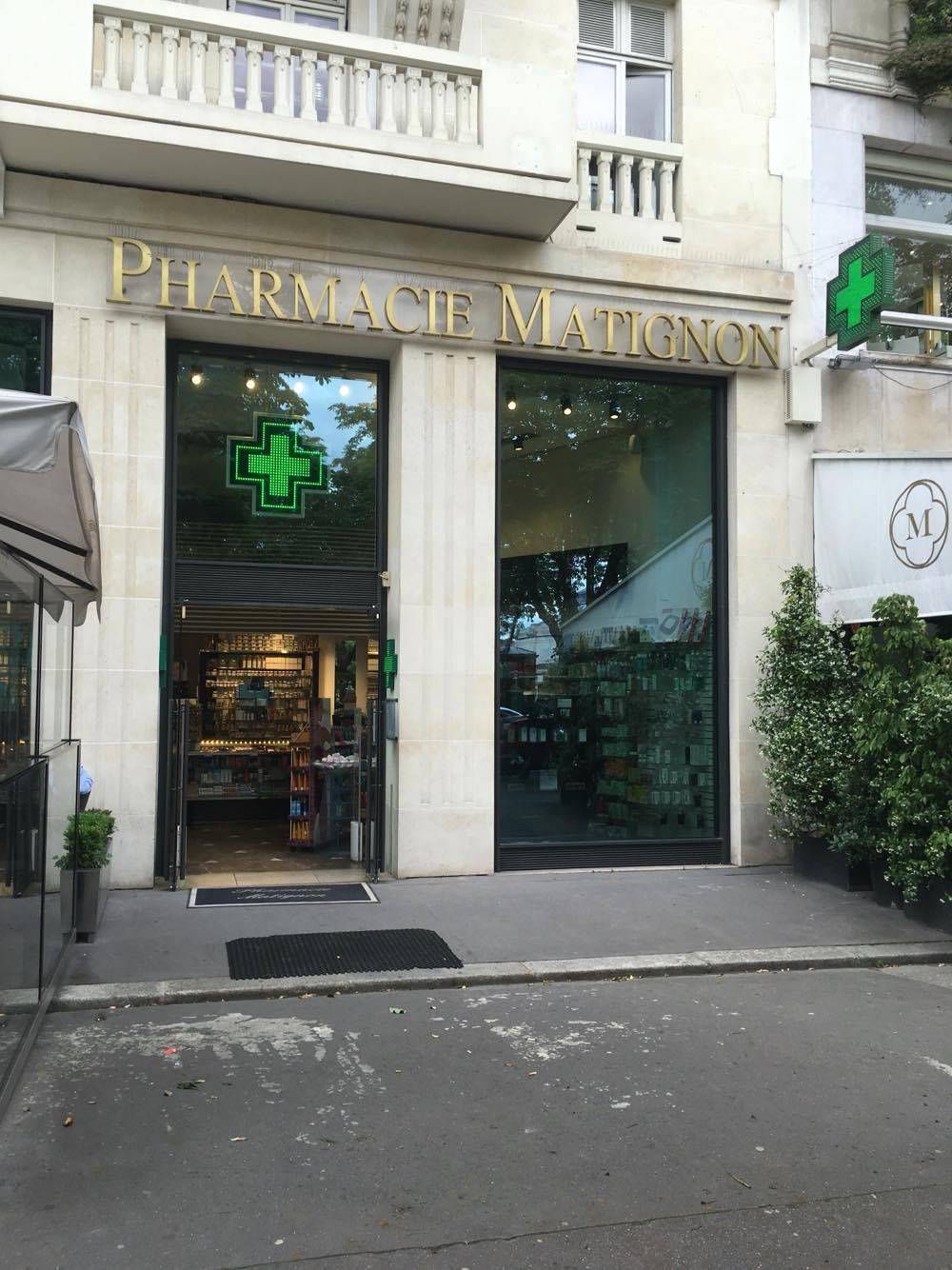 Pharmacy paris