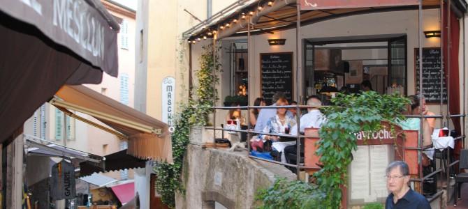 Le Suquet – Rue Saint-Antoine, Cannes.