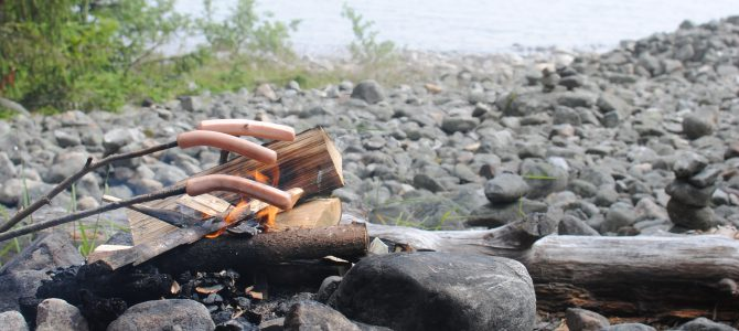Grilling sausages in Kont.
